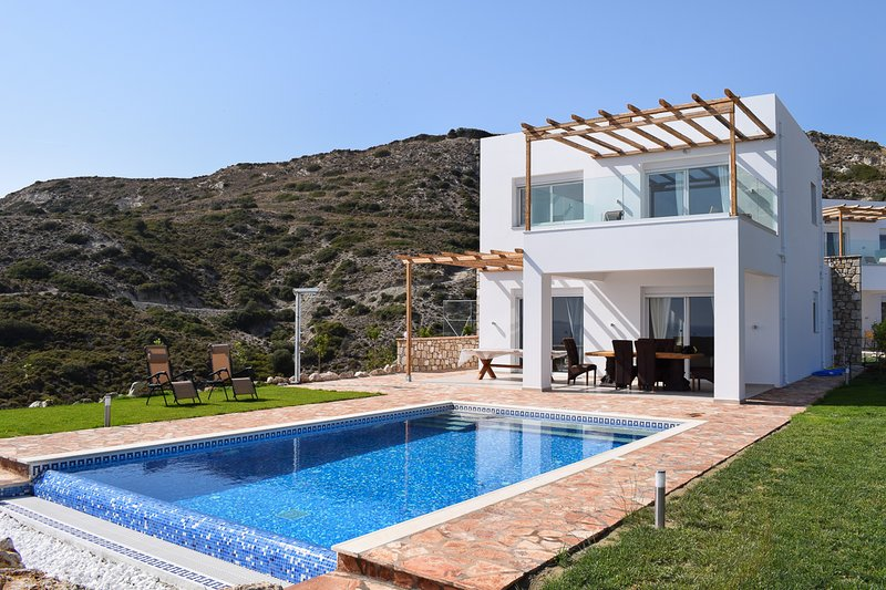 Antimacheia Villa Sleeps 6 with Air Con - 5825041, alquiler de vacaciones en Kefalos