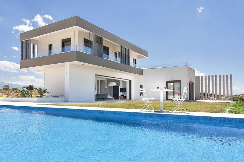 Stavros Villa Sleeps 10 with Pool and Air Con - 5825065, alquiler de vacaciones en Stavros