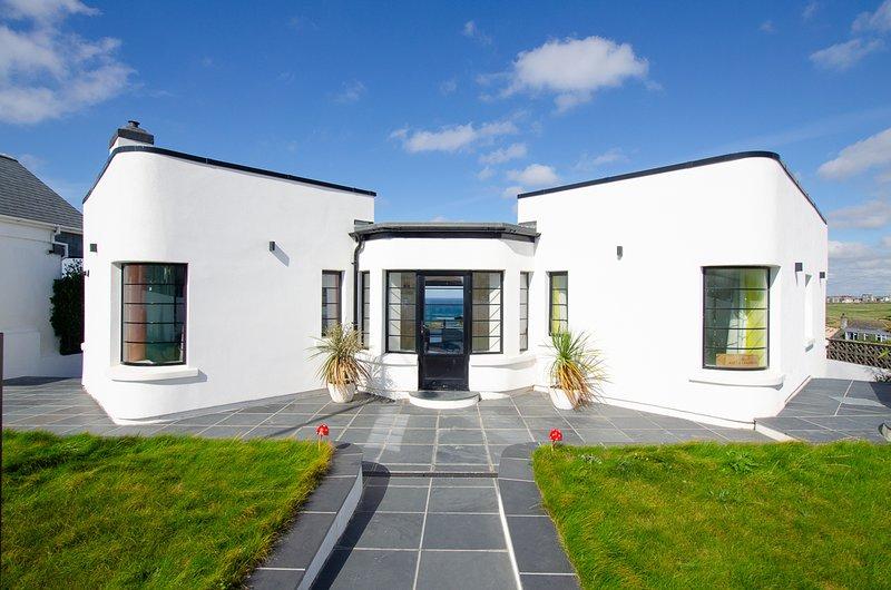 West Pentire Villa Sleeps 10 - 5816222, holiday rental in Crantock