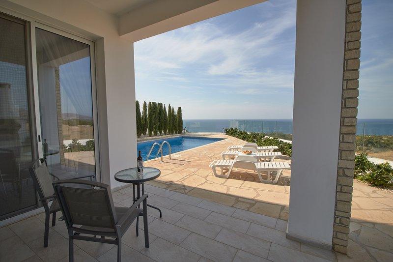 Akamas Exclusive Luxury Villa - Amazing Sea Views - Private Pool -National Park, holiday rental in Lara