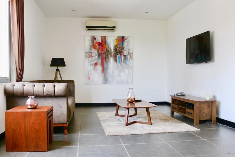 Deluxe 1 Bedroom Apartment In Osu Pulse Of Accra Updated 2021 Tripadvisor Accra Vacation Rental
