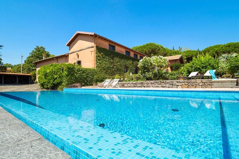 Cozzarelle Villa Sleeps 8 with Pool - 5822929, holiday rental in Pedara