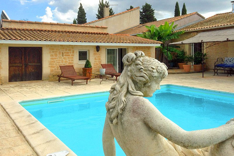 Maureilhan Villa Sleeps 8 with Pool and Air Con - 5822611, holiday rental in Lignan-sur-Orb