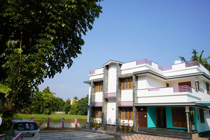 River Point Luxury Inn, vacation rental in Nedumbassery