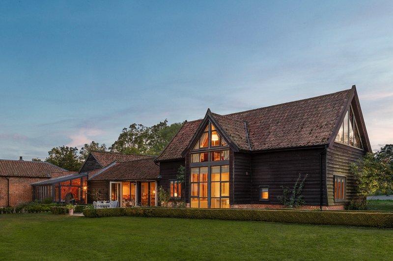 Sibton Villa Sleeps 6 with Pool - 5822710, holiday rental in Bramfield