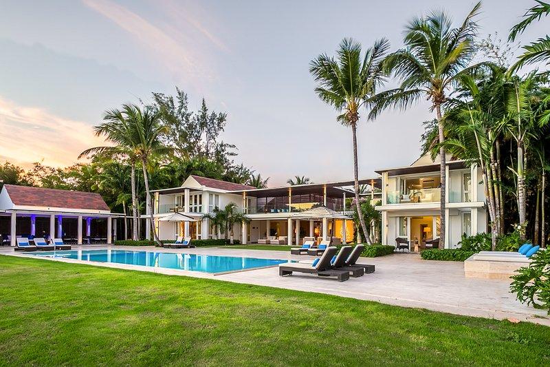 Las Minas Villa Sleeps 12 with Pool and Air Con - 5820170, location de vacances à Altos Dechavon