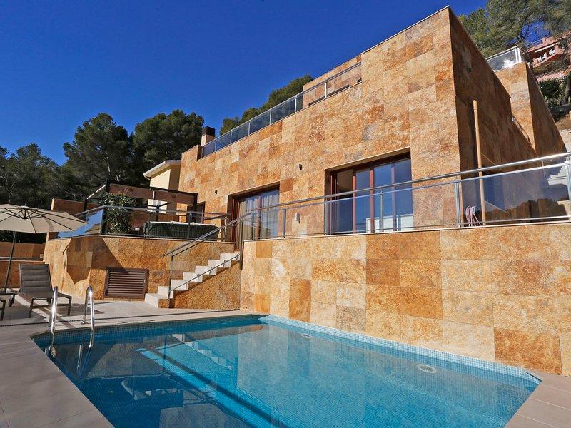 Villa Magna, holiday rental in La Riera de Gaia