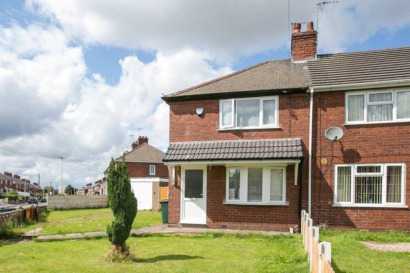 Entire Home commutable to City Centre/NEC/ICC ®️, location de vacances à Wolverhampton