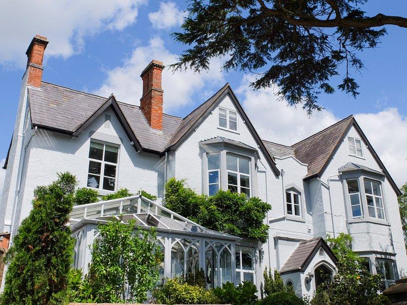 Wollaston Chateau Sleeps 19 - 5777759, holiday rental in Westbury