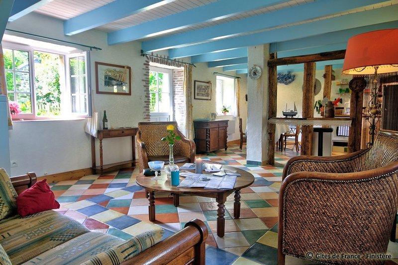 L~ABERCaiL...Bien comme à la maison, jolie longère paisible campagne au bord mer, holiday rental in Saint-Renan