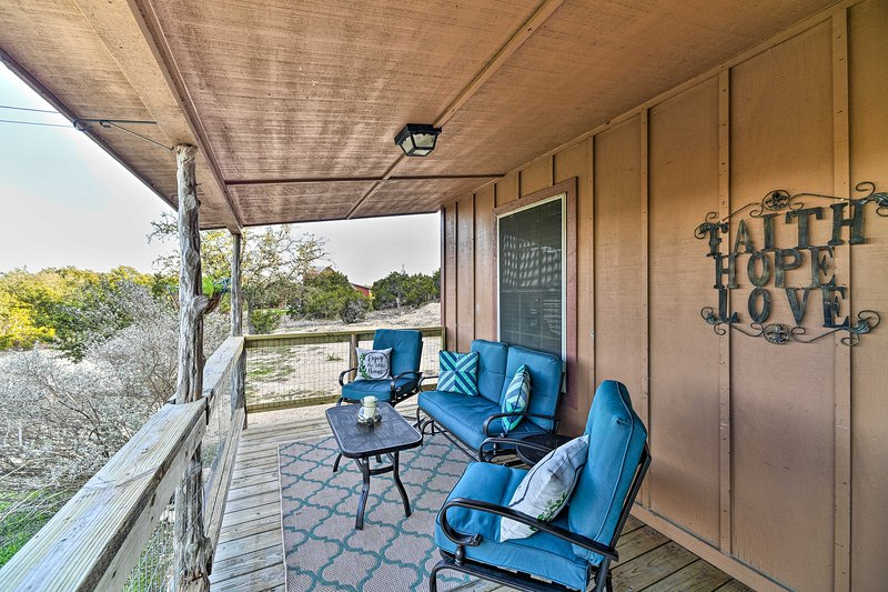 Spacious, Private & Peaceful Hill Country Retreat, casa vacanza a Spring Branch