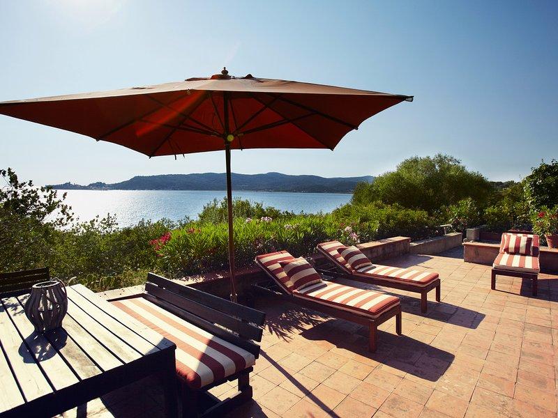 Fonteblanda Villa Sleeps 12 with Pool Air Con and WiFi - 5247651, holiday rental in Fonteblanda