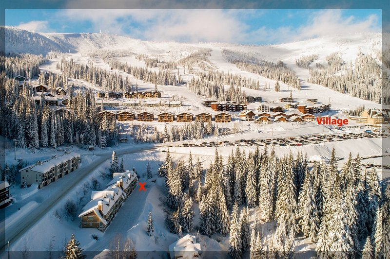 NEW! Fabulous Condo - Next to Schweitzer Village, casa vacanza a Colburn