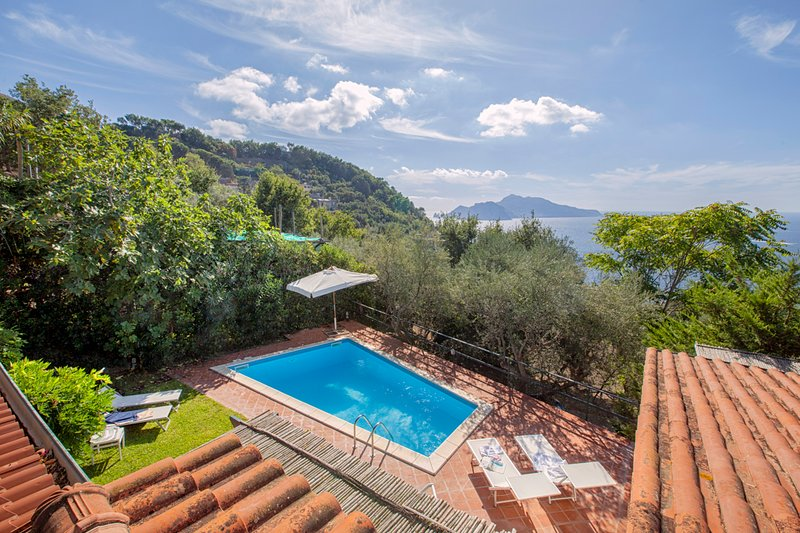 Marra-Marciano Villa Sleeps 12 with Pool and Air Con - 5827657, vacation rental in Roncato
