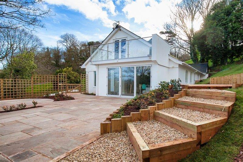 Shaldon Villa Sleeps 8 - 5818373, holiday rental in Shaldon