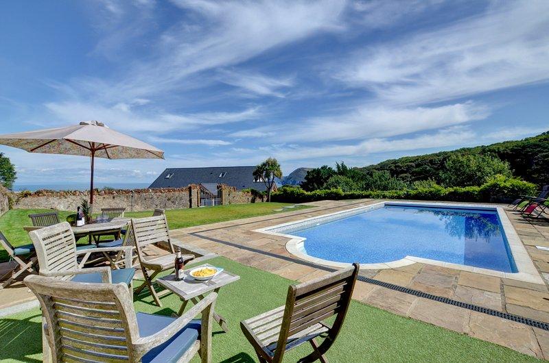 Berrynarbor Villa Sleeps 12 with Pool - 5818372, alquiler vacacional en Watermouth