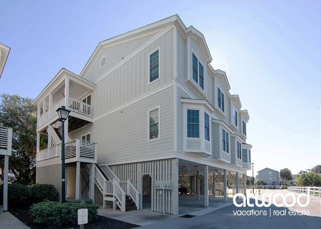 The Retreat 7A-Updated Condo w/ Ocean Views/Free Pool Access/Minutes to Beach, vacation rental in Edisto Island
