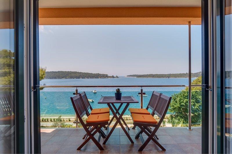 Ferienwohnung 4896-1 für 4 Pers. in Mali Lošinj, vacation rental in Lošinj Island