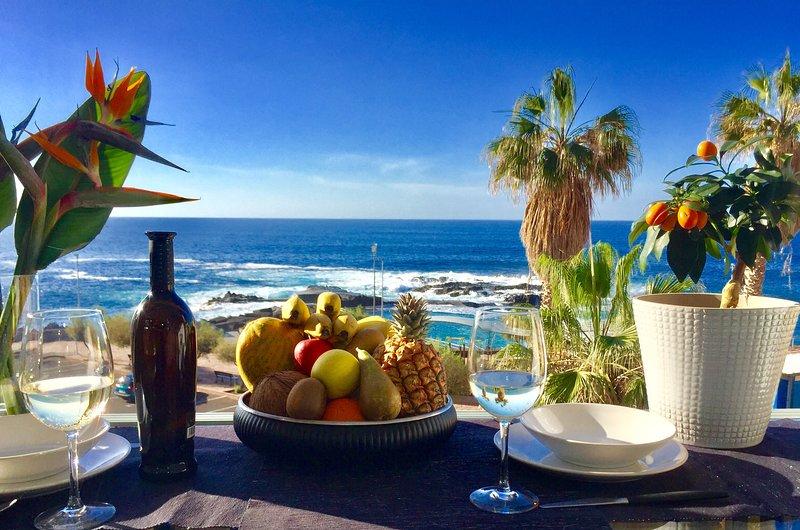 PARADISE BEACH & POOL , TERRACE, SEA VIEWS, MAXIMMUM RELAX, FREE WIFI, aluguéis de temporada em Tacoronte