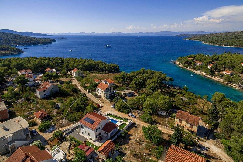 Modern villa Makarac on Brac island, holiday rental in Milna