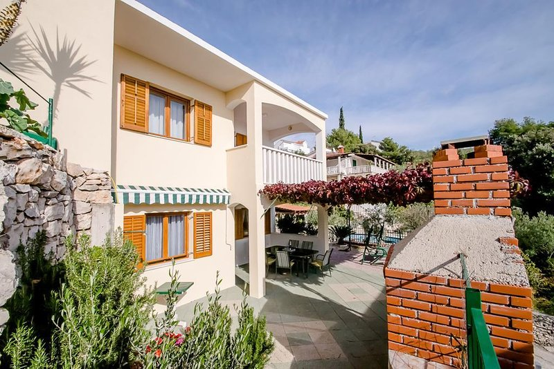 One bedroom apartment Cove Ljubljeva, Trogir (A-18052-b), vacation rental in Vinisce