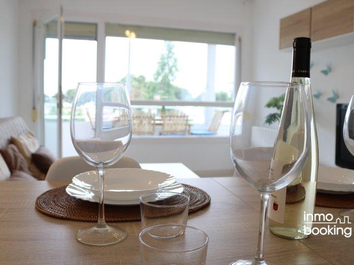 InmoBooking Thaiti Apartments, climatizado y con vistas, holiday rental in Vilafortuny