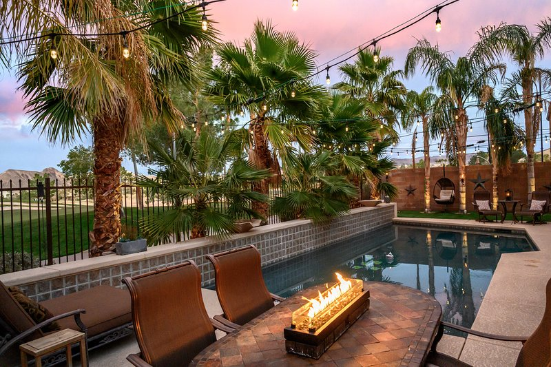 Luxury pool home on golf course in gated community, holiday rental in Boulder City