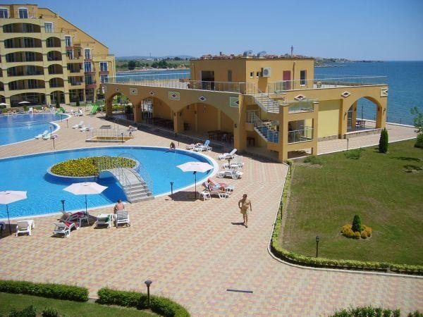 Midia Grand Resort I101 - Colorous studio with direct access to the garden, holiday rental in Kableshkovo