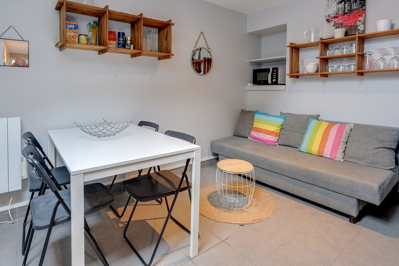 Quiet and charming ❤️ fully equipped for 4 Tram A #C5, vacation rental in Grenoble