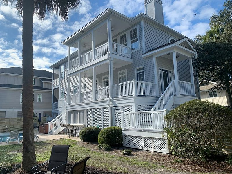 6 Quail - Pet Friendly 6 Bedroom, 3rd Row from the Beach, location de vacances à Hilton Head