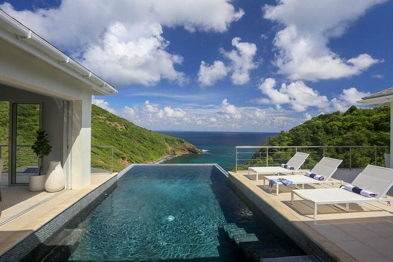 Cap Estate Villa Sleeps 8 with Pool and Air Con - 5792423, aluguéis de temporada em Cas En Bas