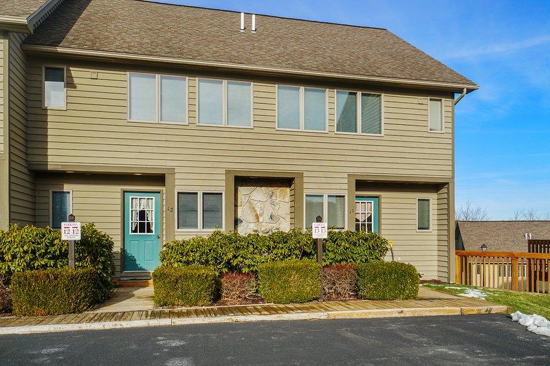 Deep Creek Village #12, vacation rental in McHenry