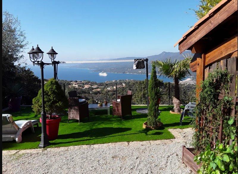 Beautiful house with sea view, holiday rental in Santa-Maria-Figaniella