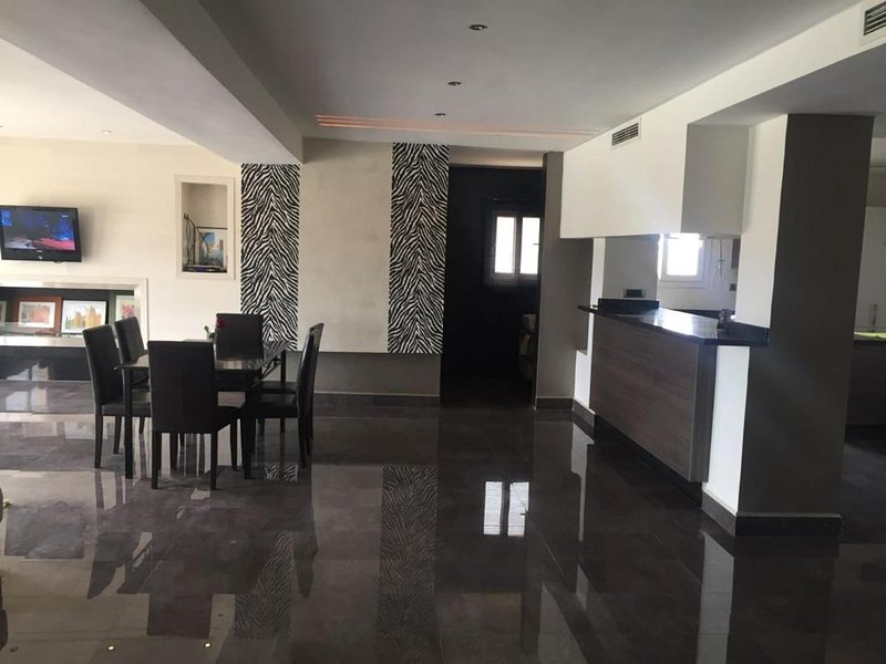 Apartement Luxe 6eme 3chambres, holiday rental in Oujda