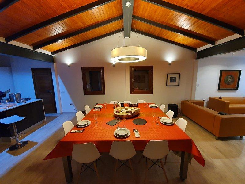 Big house with terrace & Wifi, casa vacanza a Vilaflor