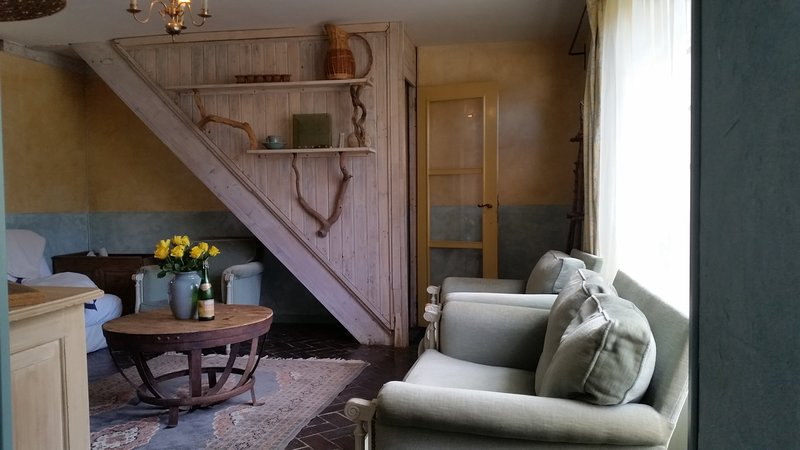 Nice house with terrace & Wifi, holiday rental in Noyers-Bocage