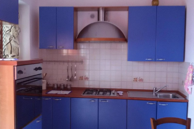 Nice apartment with sea view & Wifi, holiday rental in Pianoconte