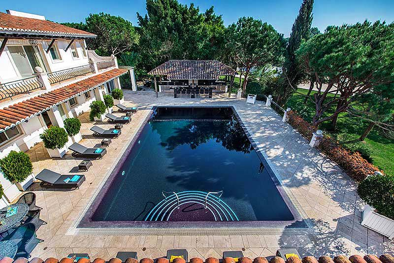 Quinta do Lago Villa Sleeps 10 with Pool Air Con and WiFi - 5823355, holiday rental in Vale do Garrao