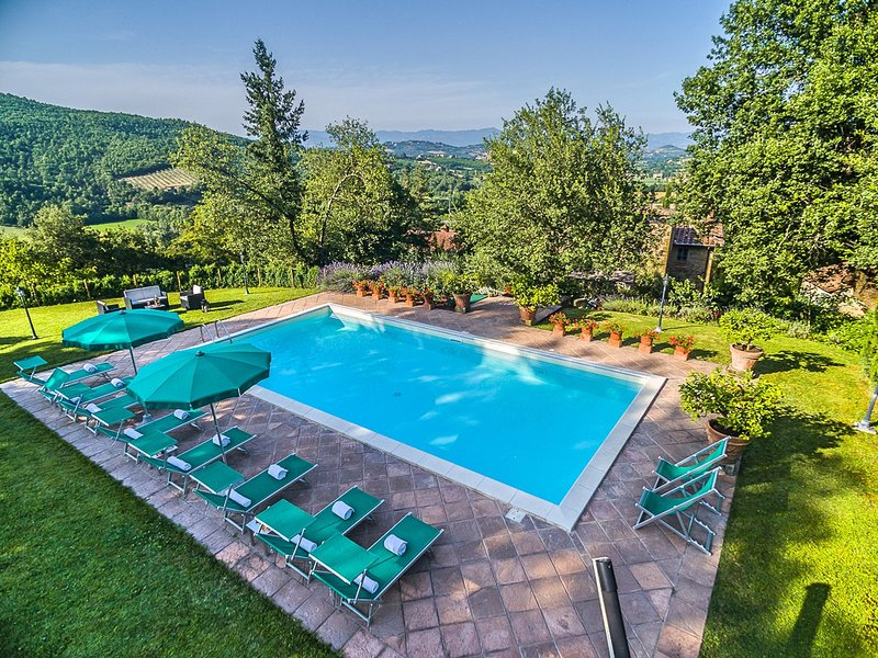 Bagno a Ripoli Villa Sleeps 10 with Pool Air Con and WiFi - 5823266, vacation rental in Le Ville