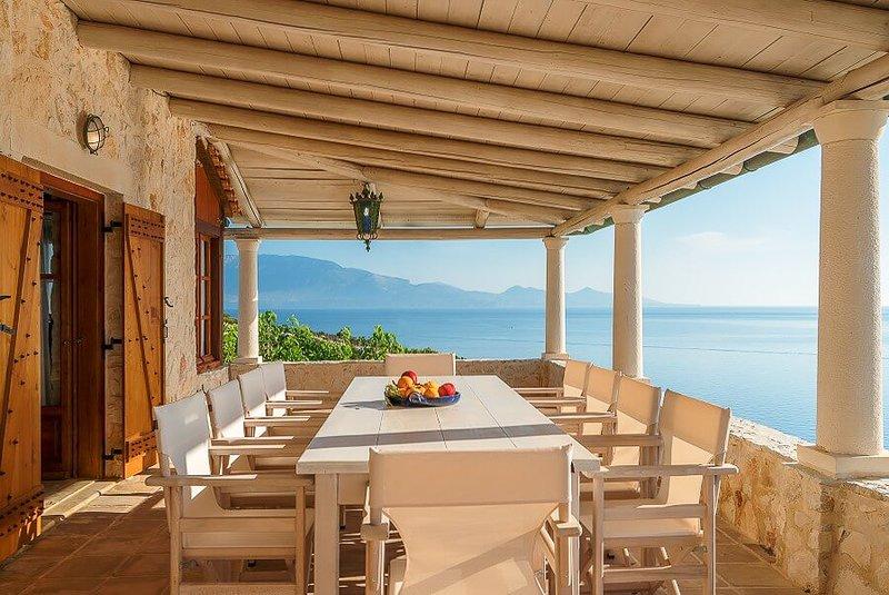 Korithi Villa Sleeps 9 with Pool and Air Con - 5824004, location de vacances à Korithi