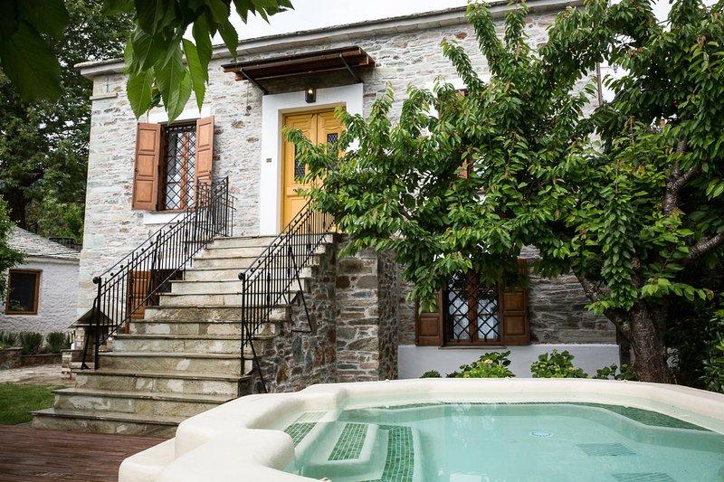 Agios Georgios Nileias Villa Sleeps 8 - 5823946, casa vacanza a Agios Georgios Nilias