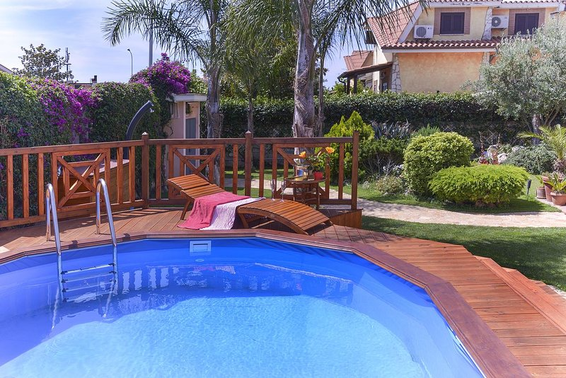 Big villa with swimming-pool & Wifi, holiday rental in Cerveteri
