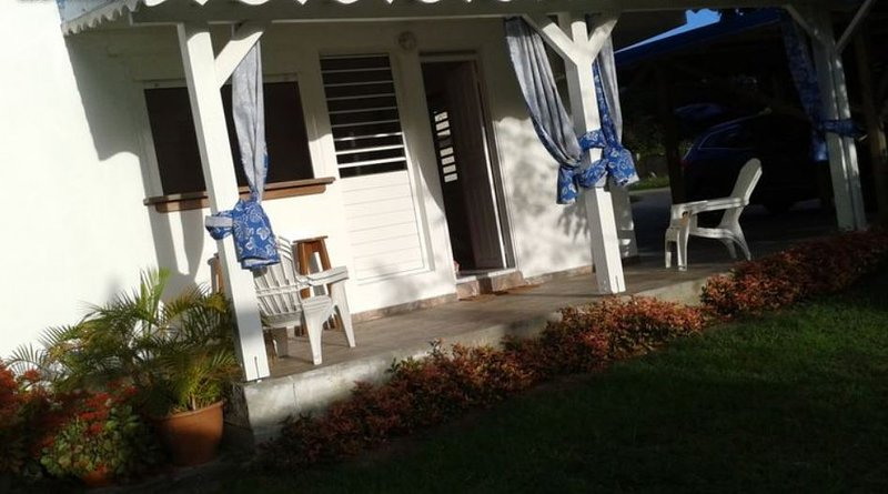 Beautiful studio with garden & Wifi, holiday rental in Douville
