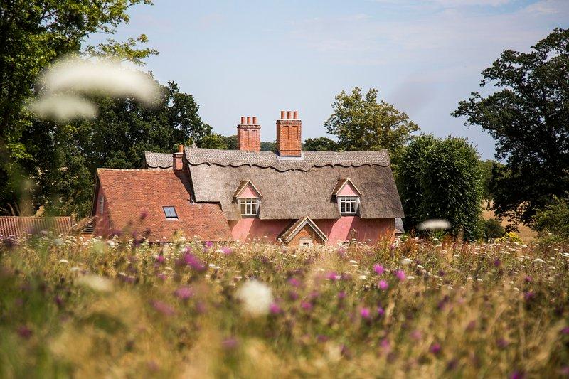 Sibton Villa Sleeps 12 with Pool - 5822916, holiday rental in Bramfield