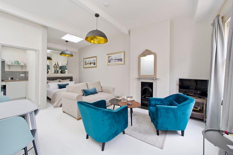 Brand New Radley Mews Studio House, holiday rental in Willesden