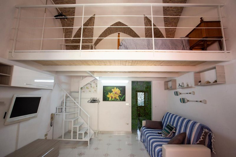 4 Sister Open Space in, holiday rental in Aradeo