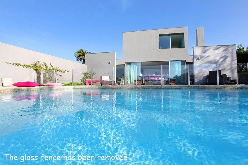 Pedras de Moledo Villa Sleeps 10 with Pool and WiFi - 5604724, alquiler vacacional en Moledo