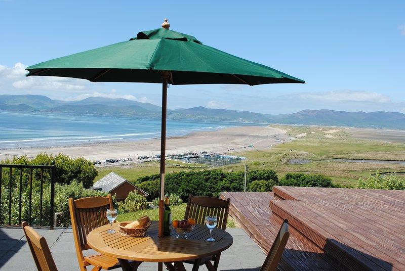 Stunning house overlooking Rossbeigh Beach, location de vacances à Glenbeigh