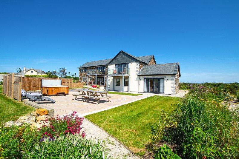 Little Petherick Villa Sleeps 12 - 5816220, alquiler vacacional en St Issey