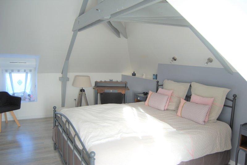 Bedroom 2 - Queen size bed (160 * 200)